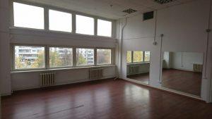 Зал гимнастики, растяжки и танцев в центре единоборств Белый Лотос