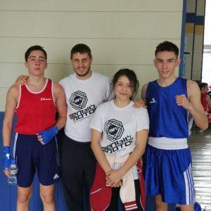 Юные боксёры Белого Лотоса
