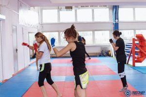 Тайский бокс для девушек - тренировки в Белом Лотосе