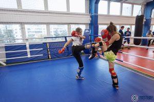 Тайский бокс для девушек - тренировочный спарринг в Белом Лотосе